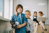 Fényképek kis gyerekek diy robot a gép osztály