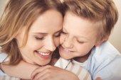 Šťastná matka se synem