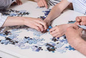 családi puzzle játék