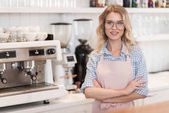 Barista am Coffeeshop-Tresen