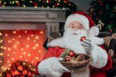 Mikulás és karácsonyi labdák