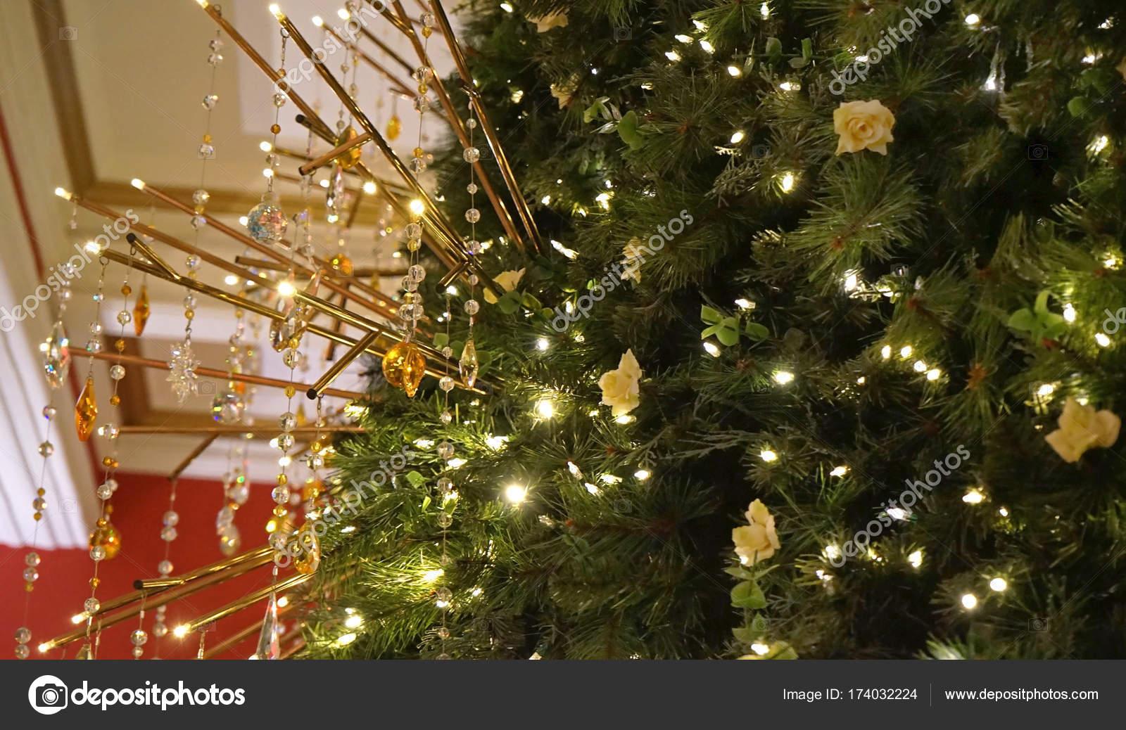Seit wann ist der weihnachtsbaum tradition