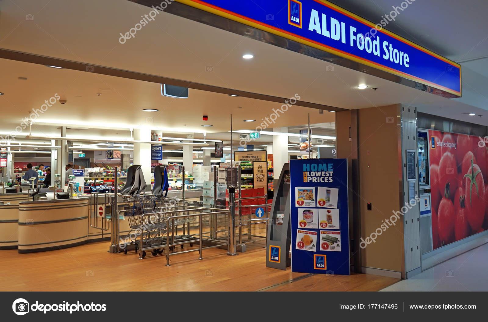 Australisch Familie Interieur : Sydney australien november aldi supermarkt eingang interieur