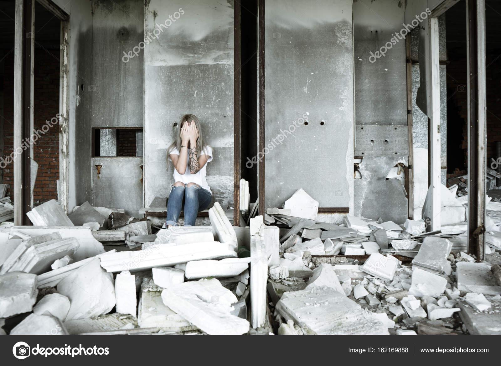 foto-odinokih-devushek-doma-porno-foto-kormyashih-sisek