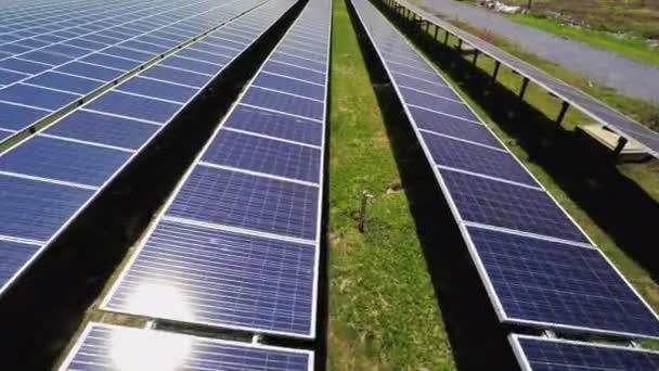 Letecký pohled na detail povrchu solárních panelů