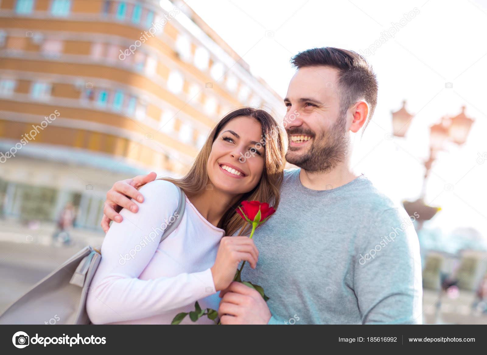 Dating pojkvän för 1 år dejta online Colombia