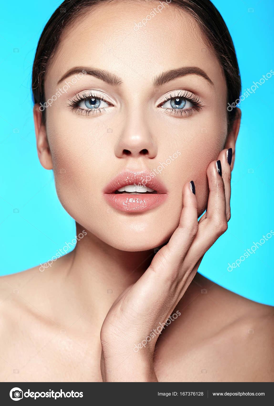 Glamour modell naken