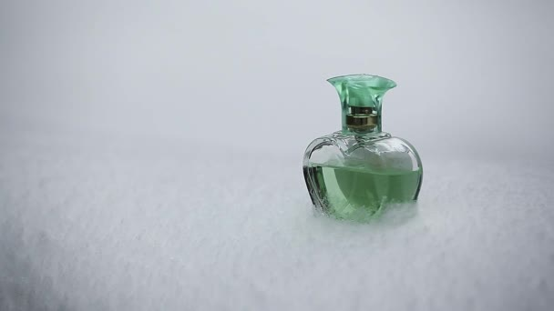Green Heart glass perfume snow