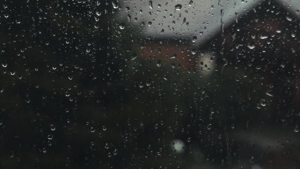 Windows dešťové kapky jarní záběry