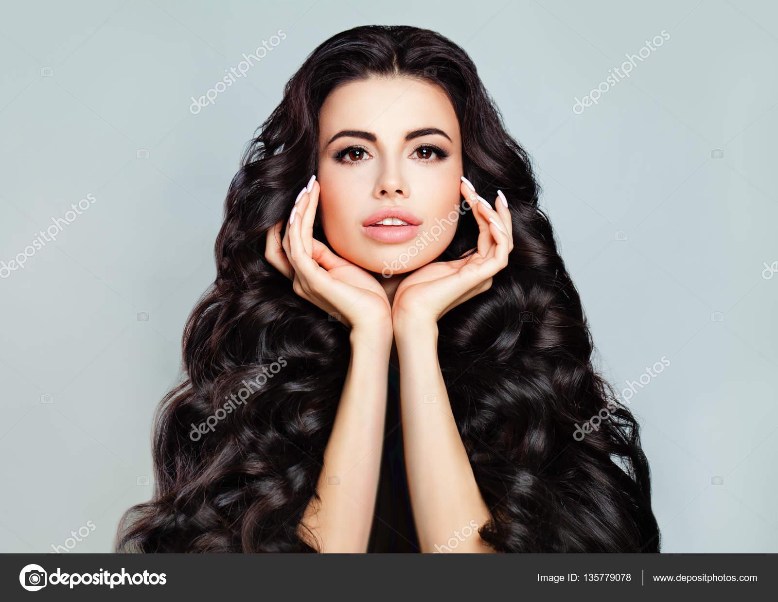 Perfektes Gesicht Junge Schöne Frau Mit Langen Haaren Und Nat
