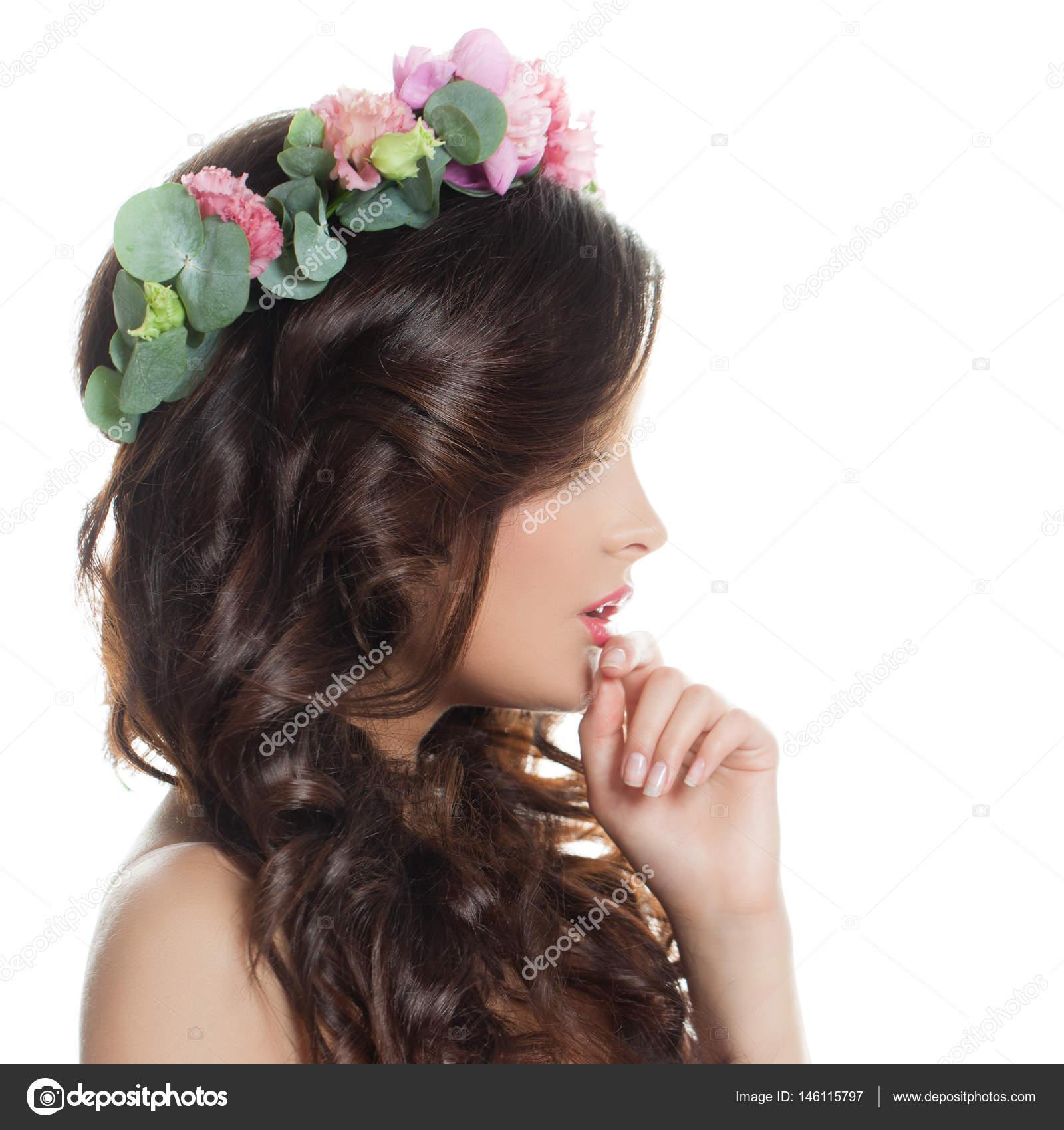 Mannequin Femme Isolee Avec Long Cheveux Boucles Peau Fraiche Et
