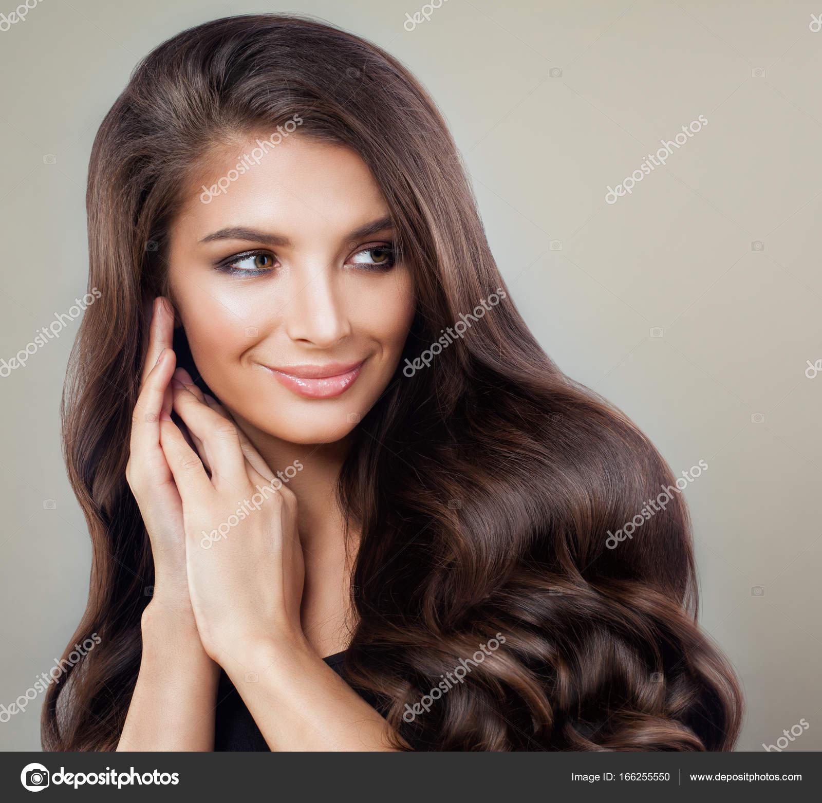 Glamourose Brunette Frau Mit Perfekten Frisur Und Make Up