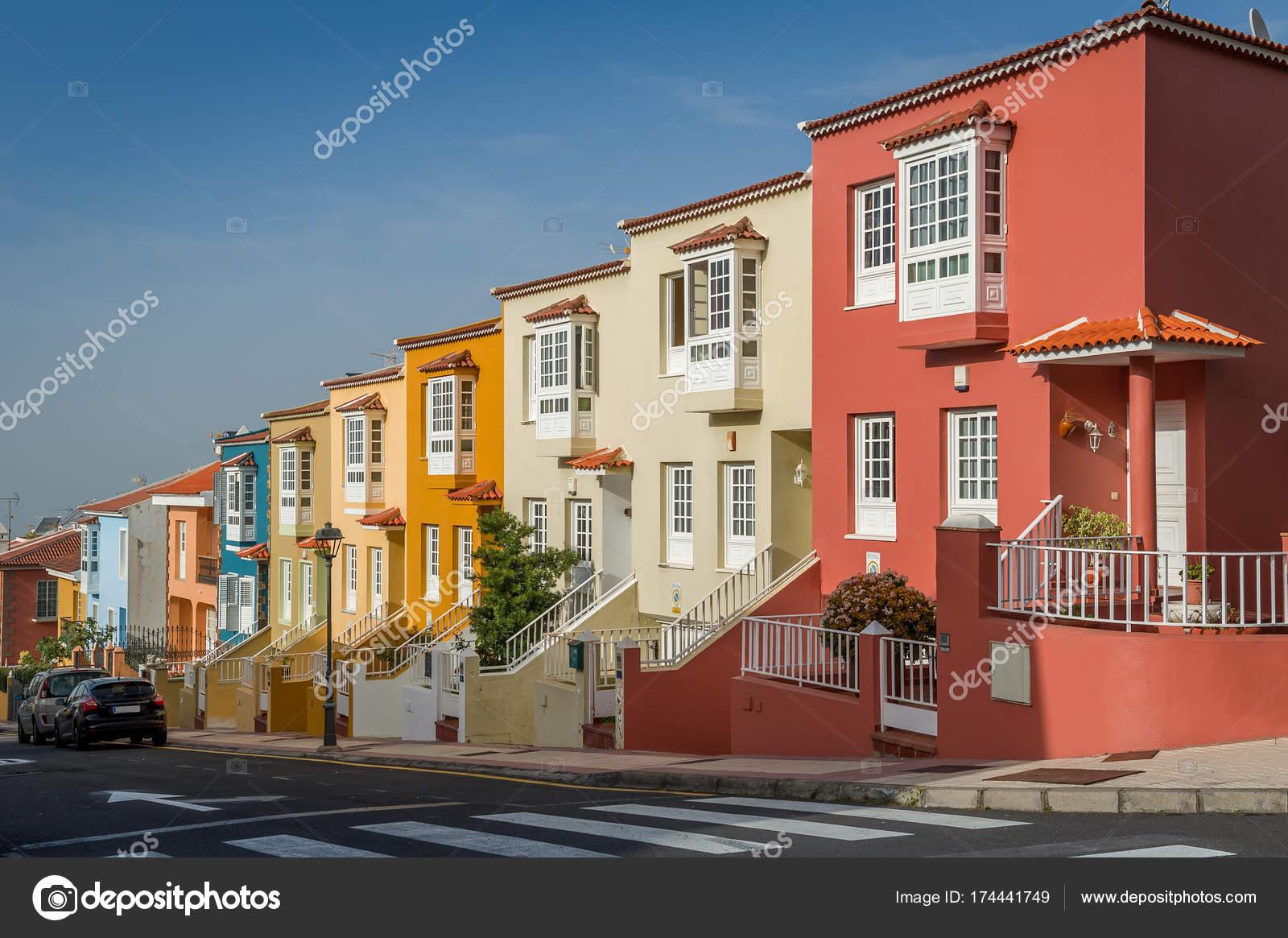 Muster, Die Auf Der Suche Neuen Bunten Häusern Auf Der Insel Teneriffa U2014  Stockfoto