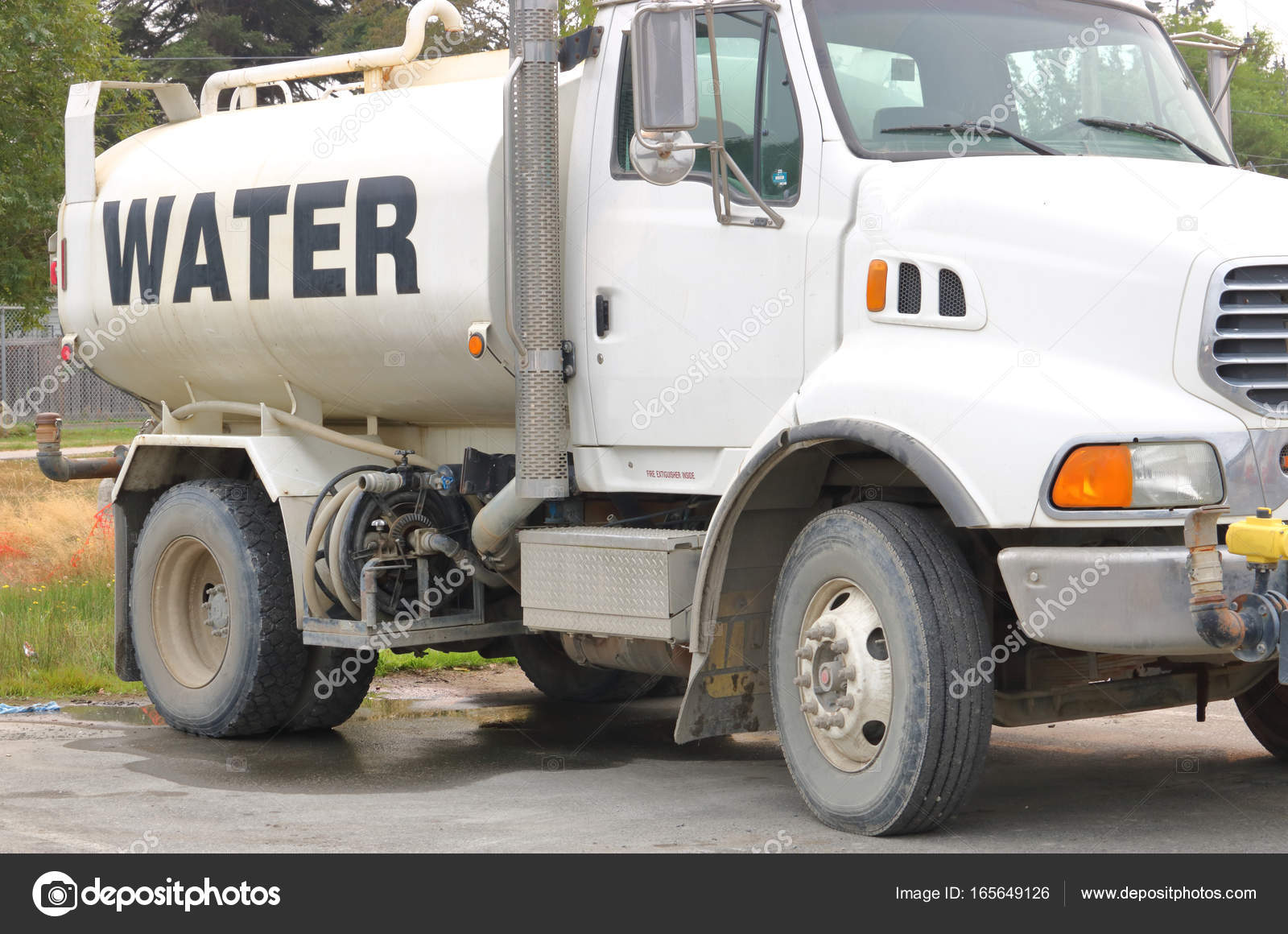 Mobile Water Tank and Truck — Stock Photo © modfos #165649126