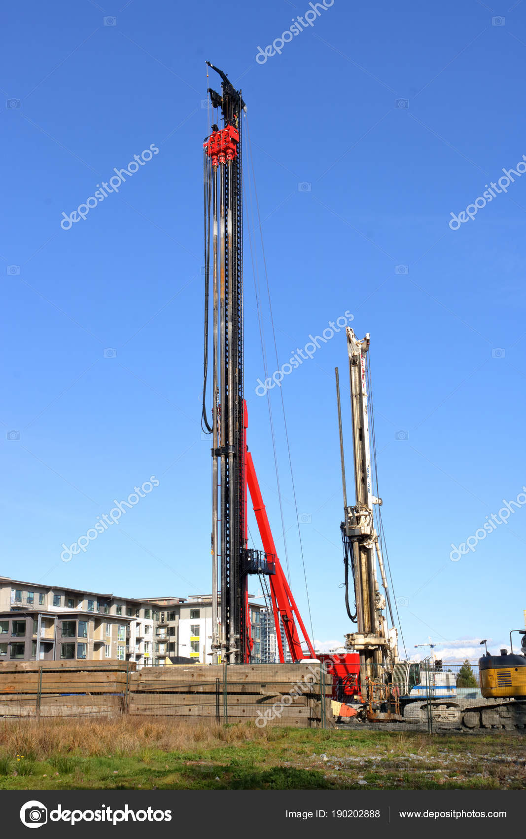 Vertical View Rotary Drilling Rig Used Preparing