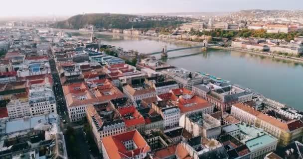Budapest szabadság híd drone villamos