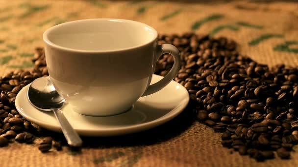 szakadó kávé