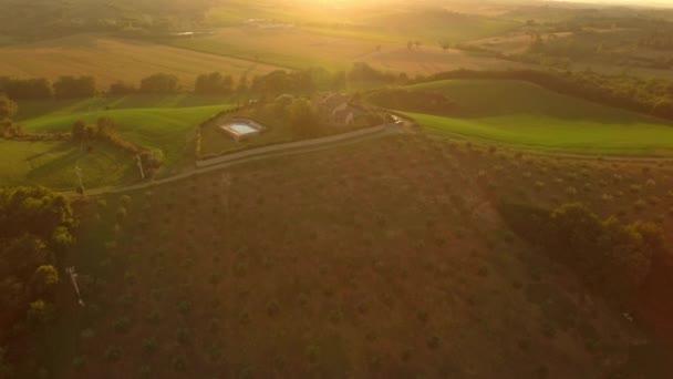 A Toszkánai Field and Holiday House kültéri légi felvételei