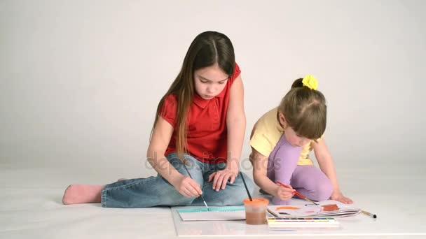 holky, malování obrázků