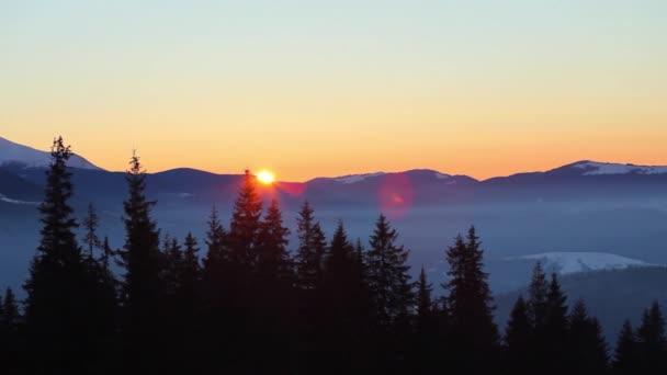 Zima v Karpatských horách, krásná krajina