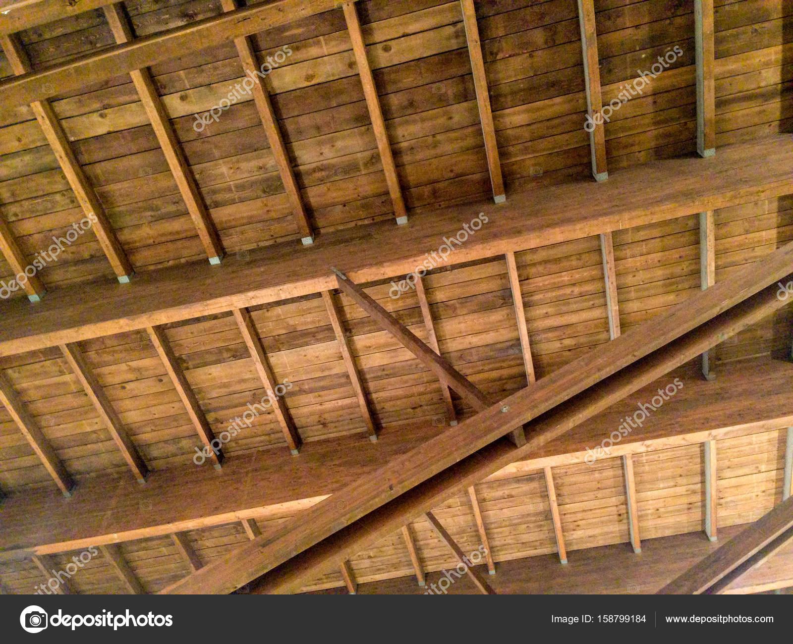 Eine Kassettendecke Aus Holz Stockfoto C Myclicks 158799184
