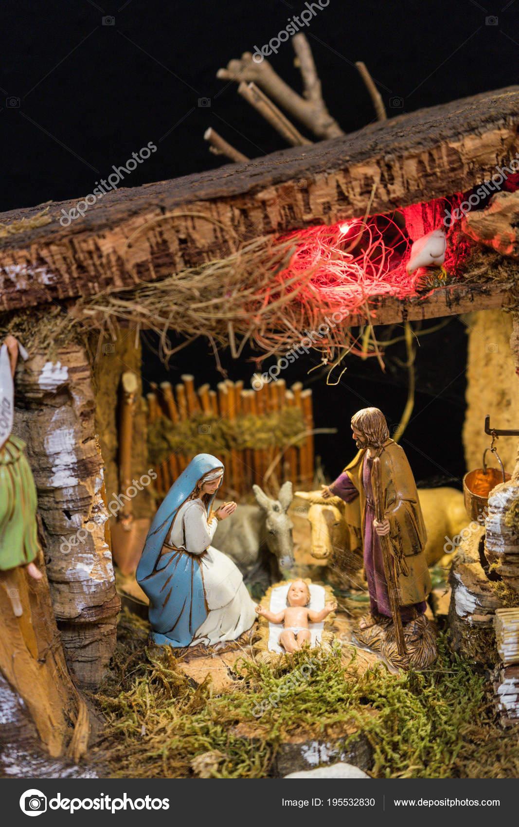 Fotos De El Pesebre De Jesus.Dibujo Sobre El Nacimiento Del Nino Jesus Nacimiento Con