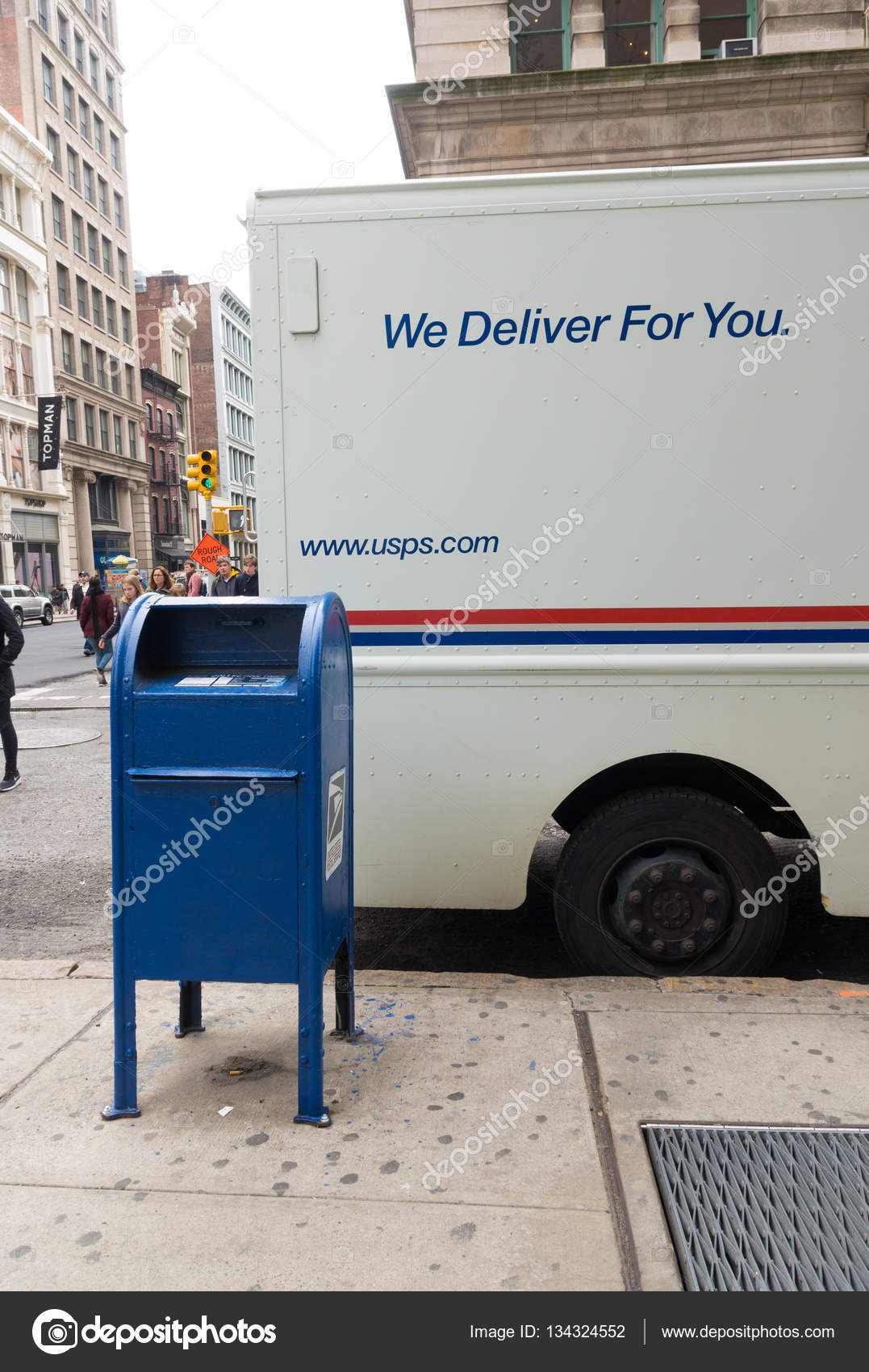 Usps mail delivery truck – Stock Editorial Photo © hansenn