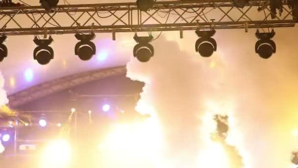MXC na koncert s mlhou, fáze kontrolky na konzole, osvětlovací koncertní pódium, zábavní koncert osvětlení na jevišti