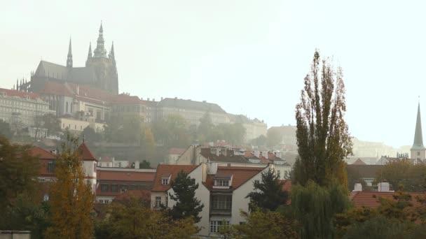 Praha, u řeky mosty prohlížet, Hora hrad Petrin