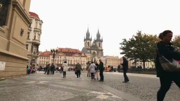 Zobrazit celé staré náměstí směrem na Týnský chrám, Prague, timelapse, Česká republika, ústřední náměstí Praha, Pražský hrad, Evropa, říjen 2017