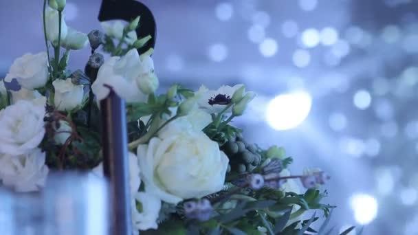 Decorazioni Sala Capodanno : Decorazione di una sala per banchetti fiori freschi belli