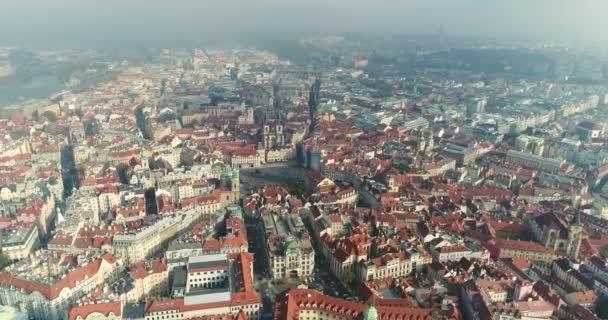 Panoramatický pohled z výšky na Pražský hrad, anténa město, staré město, Praha