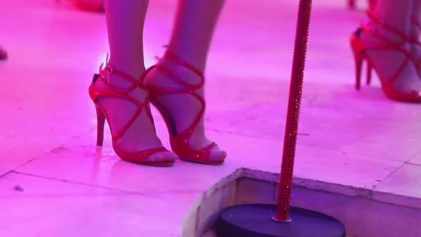Обкончать туфли ножки видео порнофильмы сюжетами женского