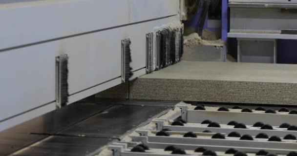 Průmyslový interiér, továrna na nábytek, výroba nábytku, formát stroj pro řezání proces dřevotřísky, Mdf, dřevotřísky, řezání, automatické linky, Dřevoobráběcí stroje