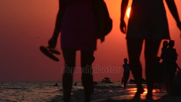 Passeggiata serale lungo la costa
