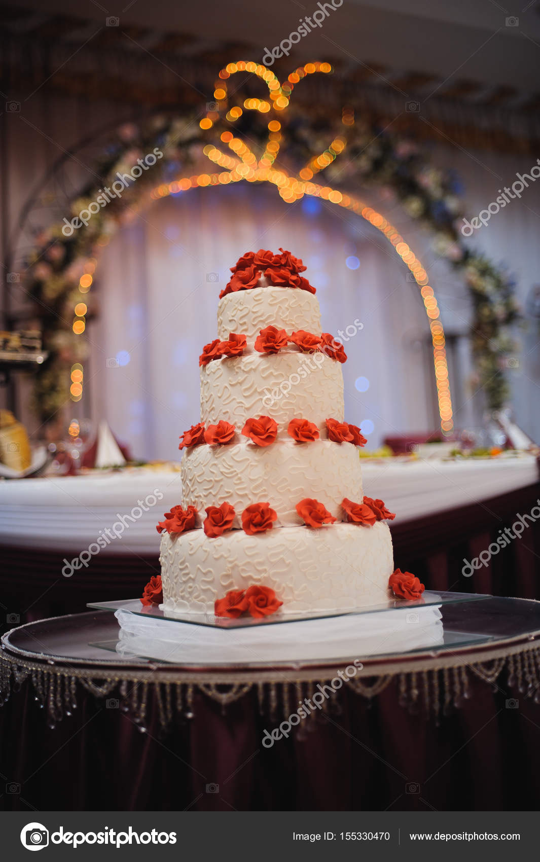 White wedding cake decorate red flowers on wedding stock photo white wedding cake decorate red flowers on wedding stock photo mightylinksfo