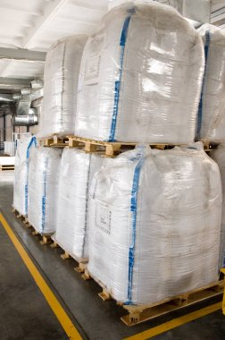 White large containers for bulk material on pallets