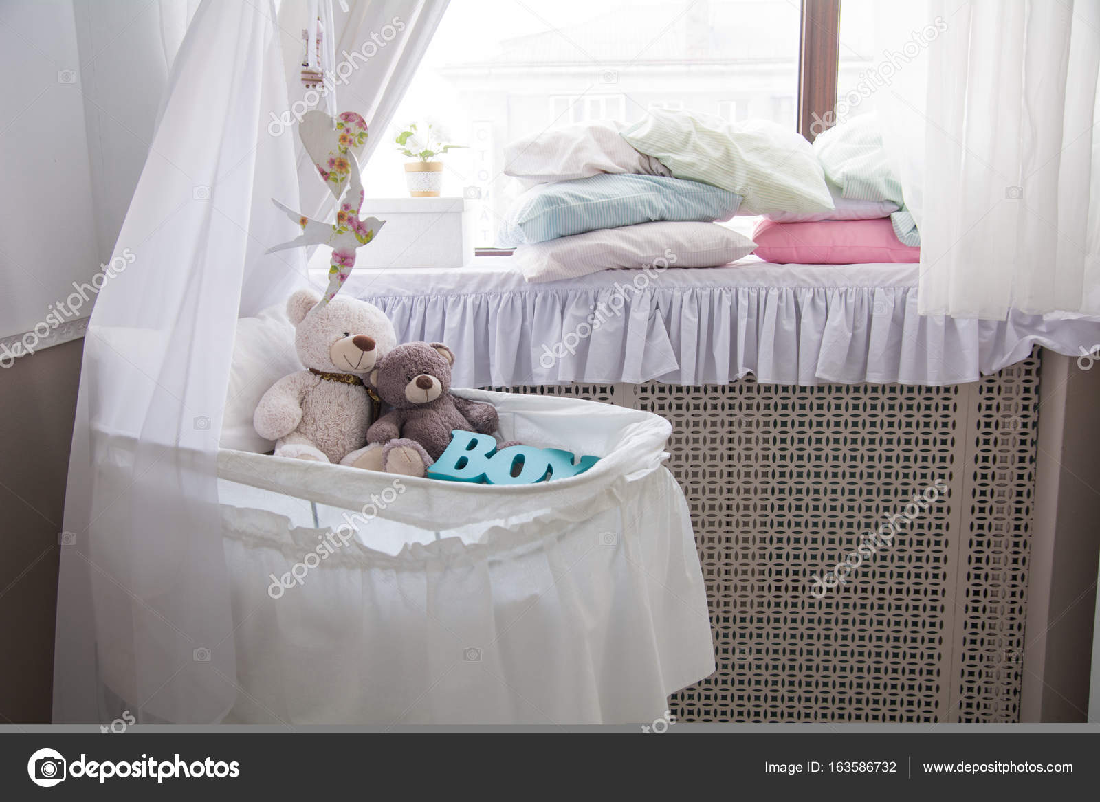 547d22ef66b Baby cot with teddy bears in the room — Stock Photo © kanzefar ...