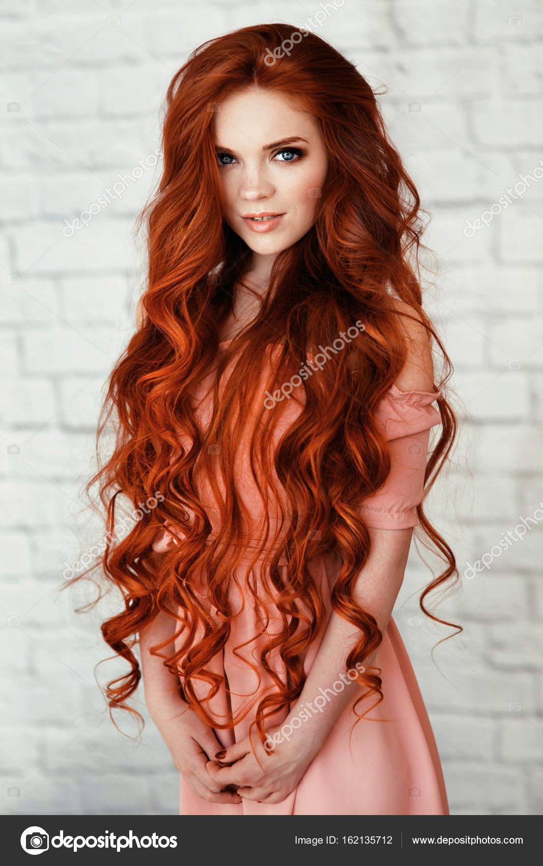 Dating nackten roten haaren mädchen