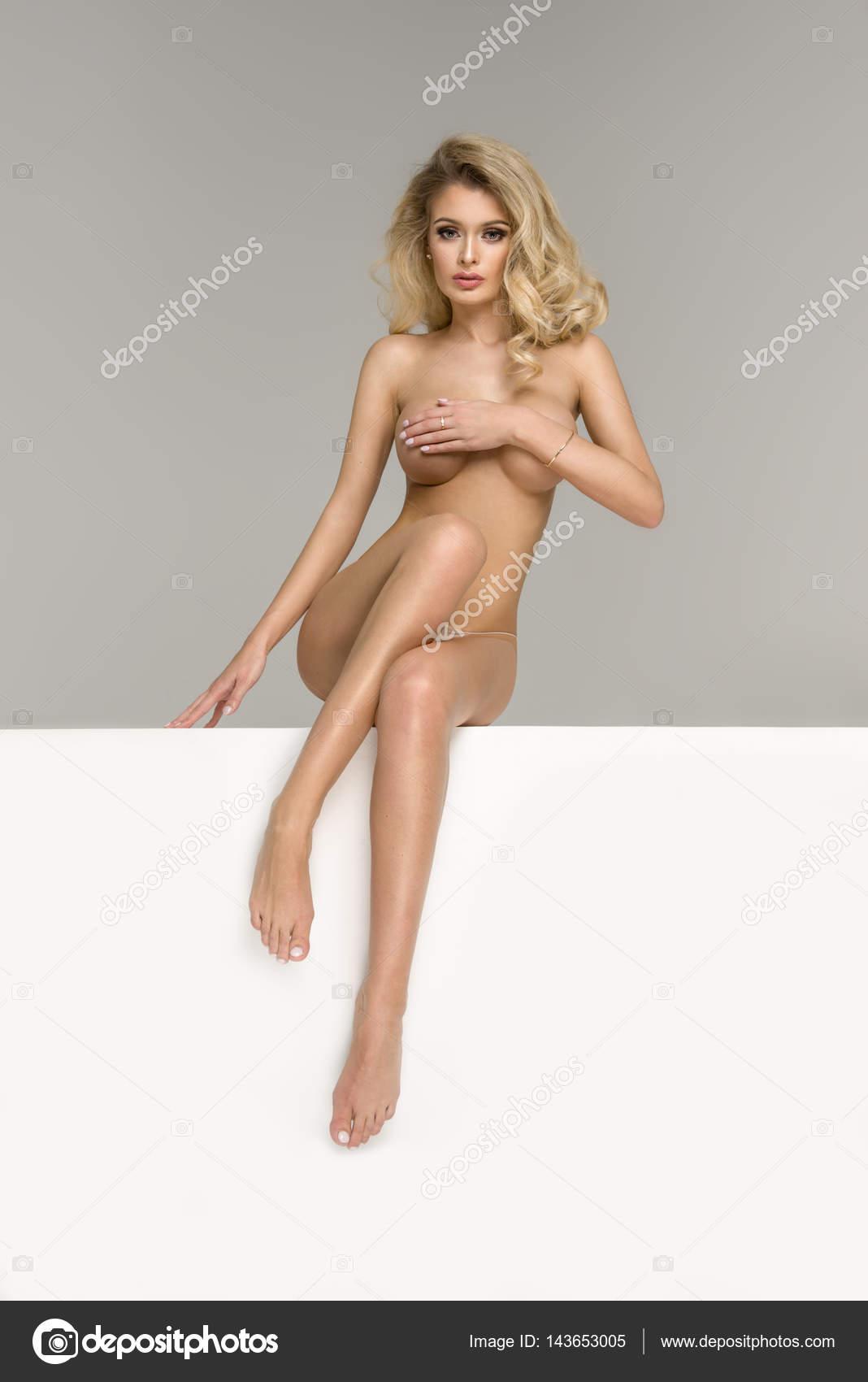 blonde frauen nackt Videos