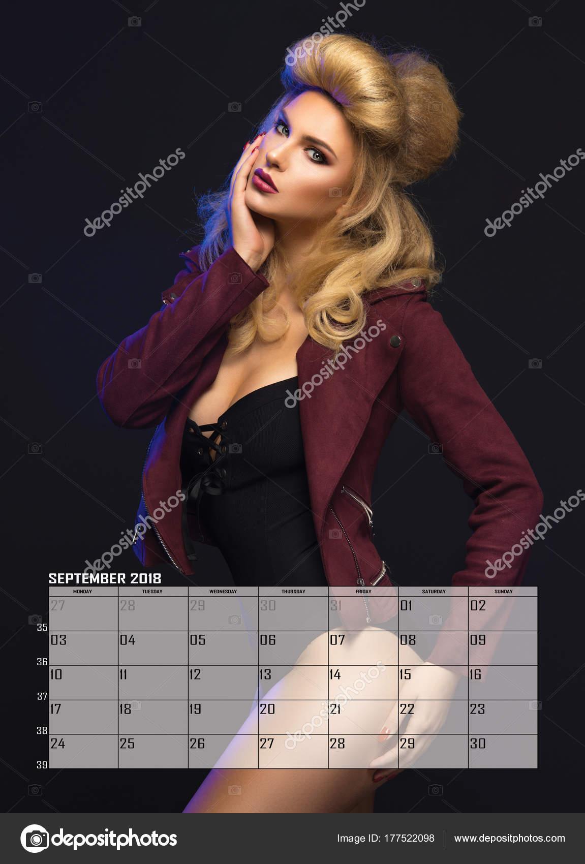 Calendario Bellezza.Donna Bionda Di Bellezza Calendario Di Settembre Foto
