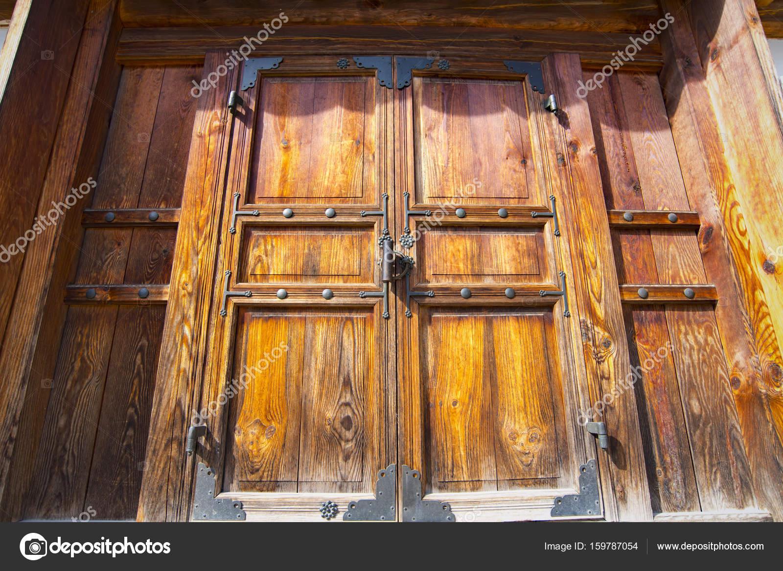 Außergewöhnlich Holztür Außen Foto Von Holztür In Seoul, Traditionelle Asiatische Außen —