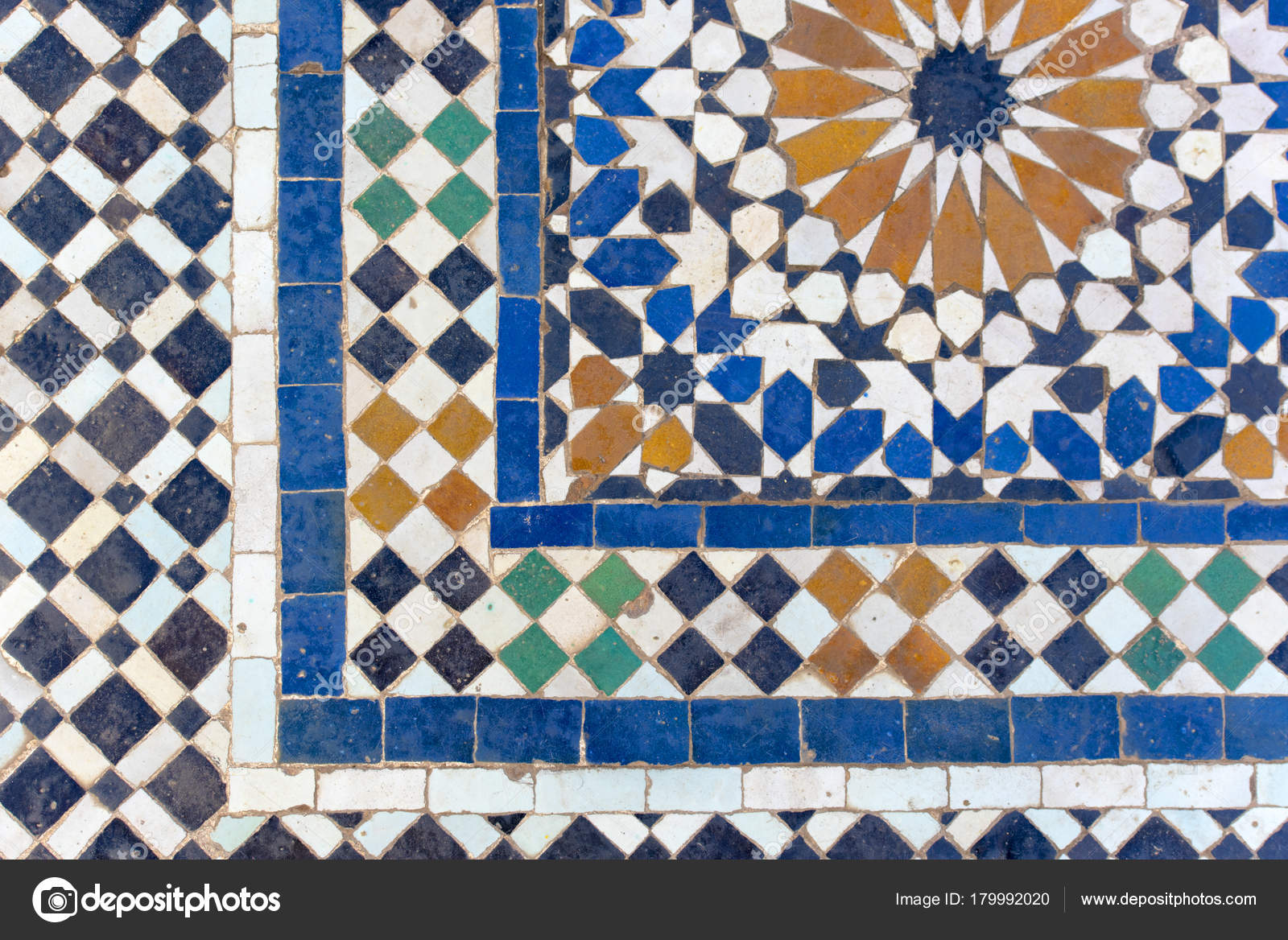 Moroccan Tiles Traditional Arabic Patterns Ceramic Tiles Patterns ...