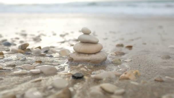 Wellness kameny pyramida