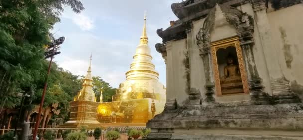 Sonnenuntergang am Wat Phasing Tempel in Chiang Mai Thailand