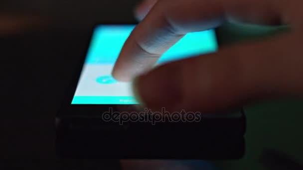 4k zařízení detail Finger hlasové volání na Smartphone