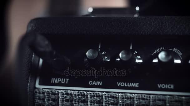 elektrická kytara zesilovač