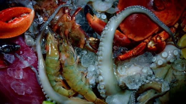 friss hal és tenger gyümölcsei
