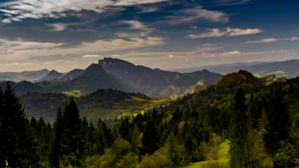 Pohled na Pieninách hory při západu slunce.