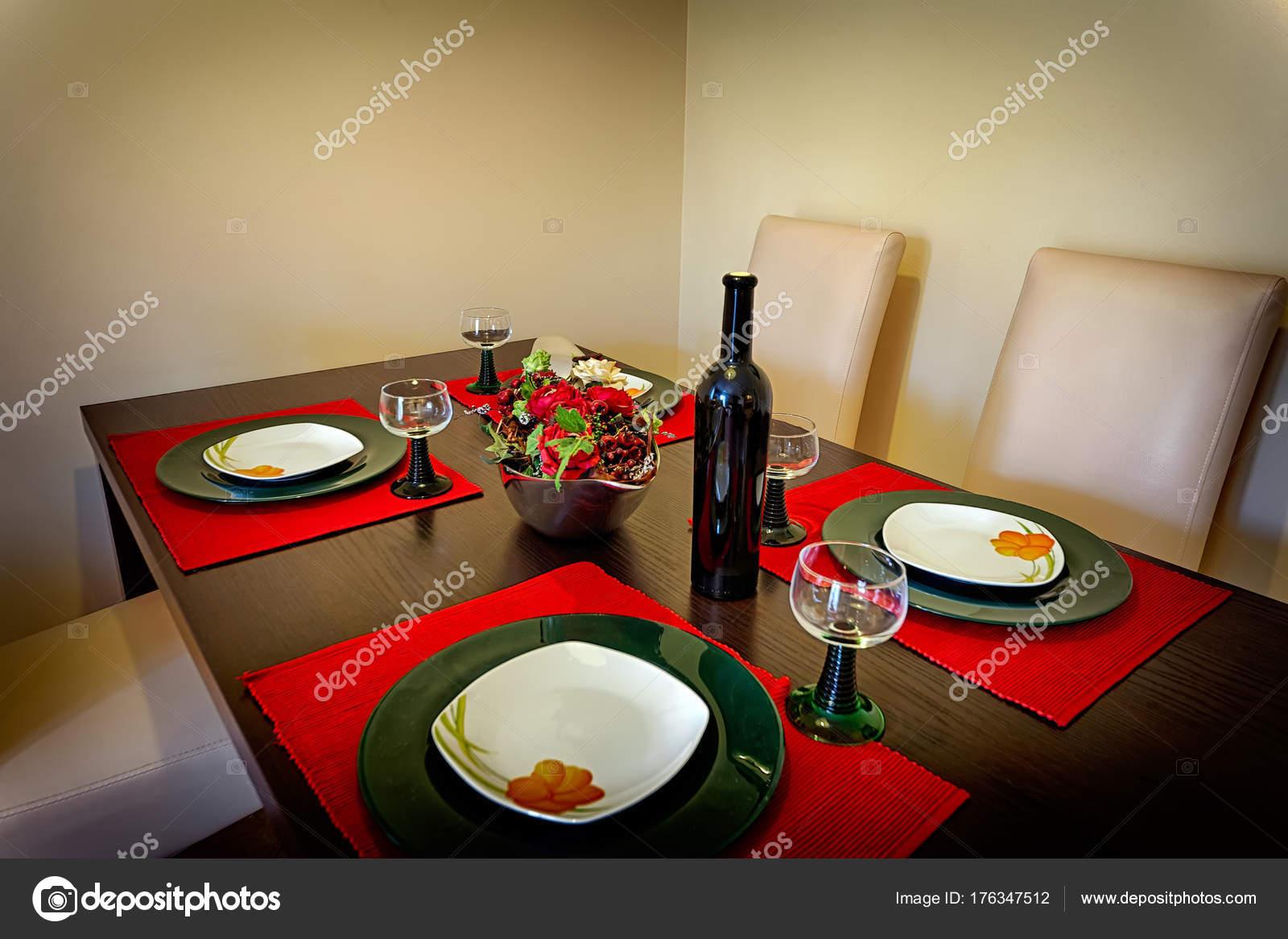 Tavolo da cucina in legno stock photo sewer12 176347512 - Tavolo da cucina in legno ...